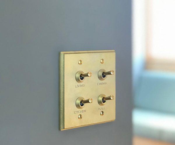 真鍮のスイッチ
