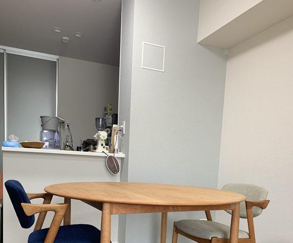 テーブルと椅子を納品しました