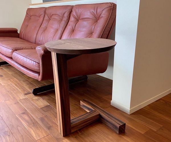 サイドテーブルの納品